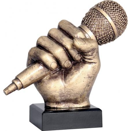 Кубокмикрофонв руке